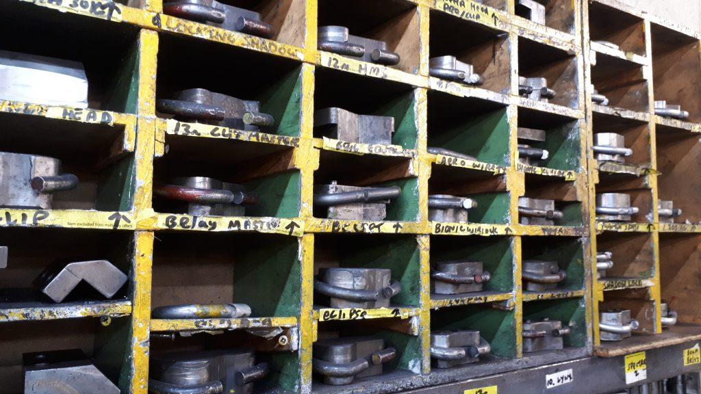 fabryka sprzet wspinaczkowy DMM