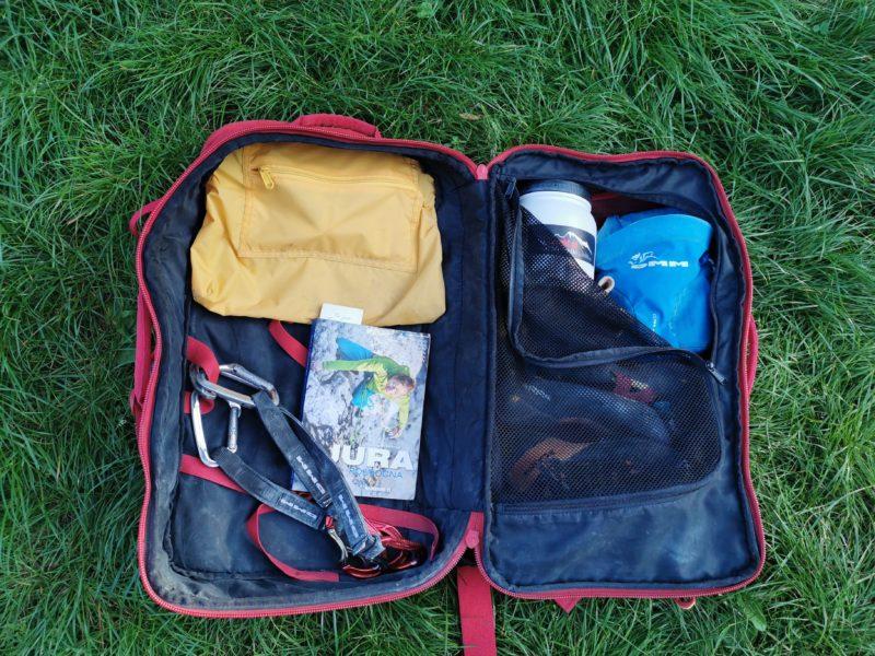wnętrze plecaka DMM Flight (fot. arch. własne)