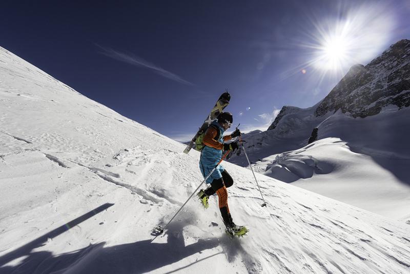 Lekki plecak skitourowy Millet Pierra w akcji (fot. millet.fr)