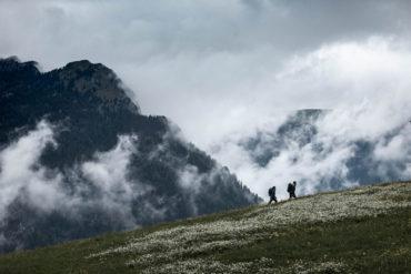 Jesienny trekking (fot. Clement Hudry)
