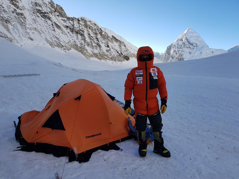 Alex Txikon podczas zimowej wyprawy Pumori-Everest2018 (fot. trangoworld)