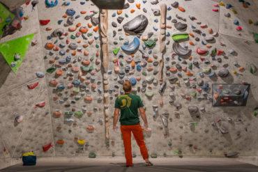 Trening na ścianie wspinaczkowej (fot. Michał Oborzyński)