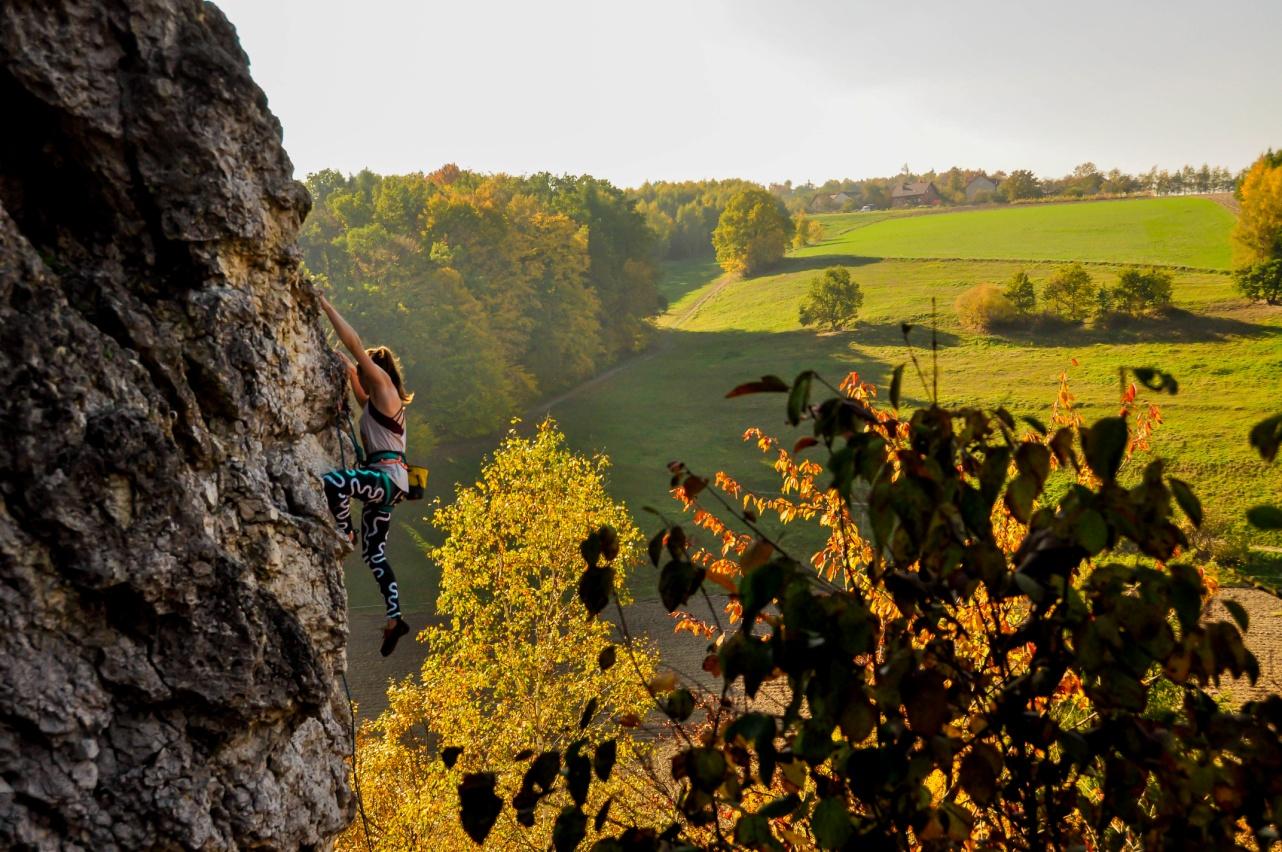 Wspinanie w skałach (fot. Piotr Białas)