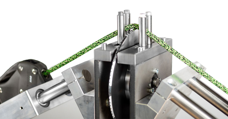 Urządzenie służąca do pomiaru odporności lin wspinaczkowej na przecięcie (źródło: Edelrid)