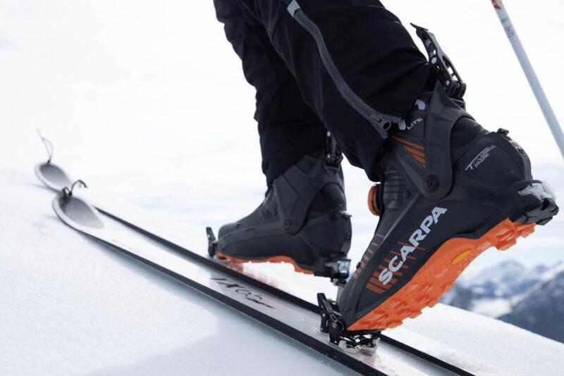 Buty skitourowe Scarpa F1 LT Carbon na podejściu (fot. scarpa.it)
