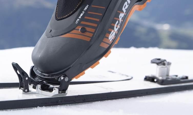 Buty skitourowe Scarpa F1 LT Carbon świetnie współpracują z wiązaniami pinowymi (fot. scarpa.net)